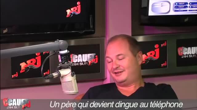 Vidéo Un Chien Et Un Chat Font De La Boxe