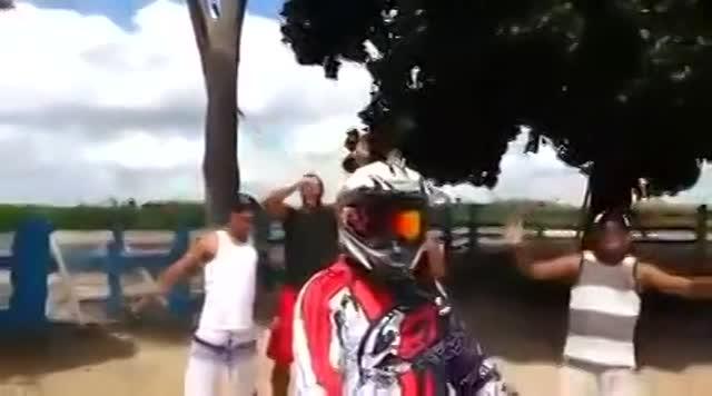 Vidéo Le Bruit D'un Moteur De Golf Iii