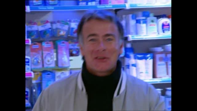 Vidéo Le Roi Du Vtt Trial Danny Macaskill S'amuse Au Parc Du Manoir De Playboy