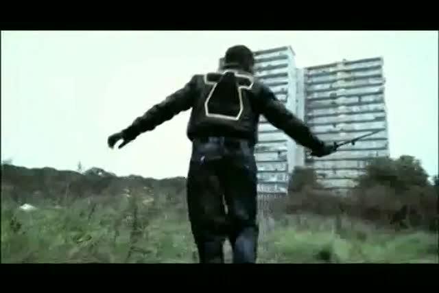 Vidéo Blague Avec Une Bande D'épilation