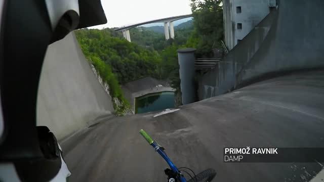 Vidéo Le Plus Haut River Splash Du Monde En Pov