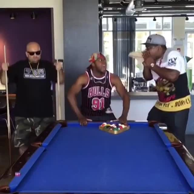 Vidéo Bar Refaeli