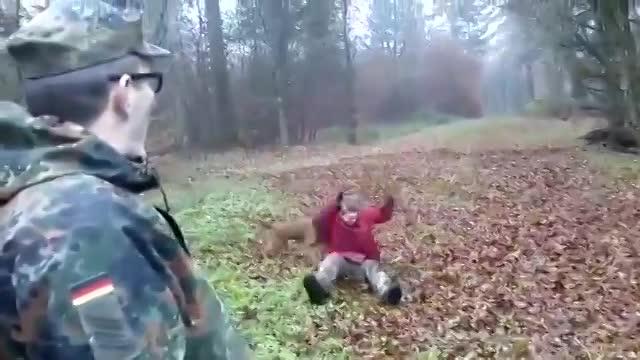 Vidéo Kamoulox - Gilou Vs Hervé